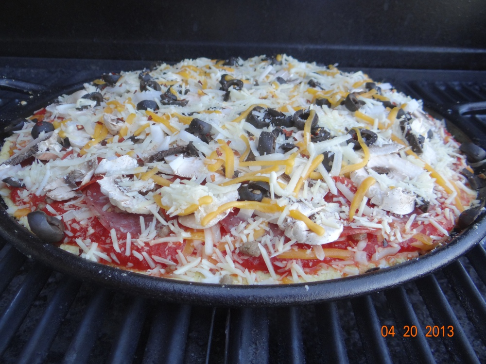 THRIVE Life: THRIVE Pizza on the Grill ~ featuring a  Paleo Crust (1/2)