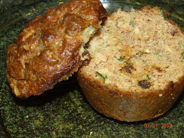 THRIVE Life: Paleo Style ~ Banana Zucchini Muffins (2/2)